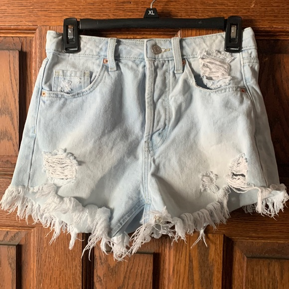 Light Wash Distressed Jeans - Wild Fable